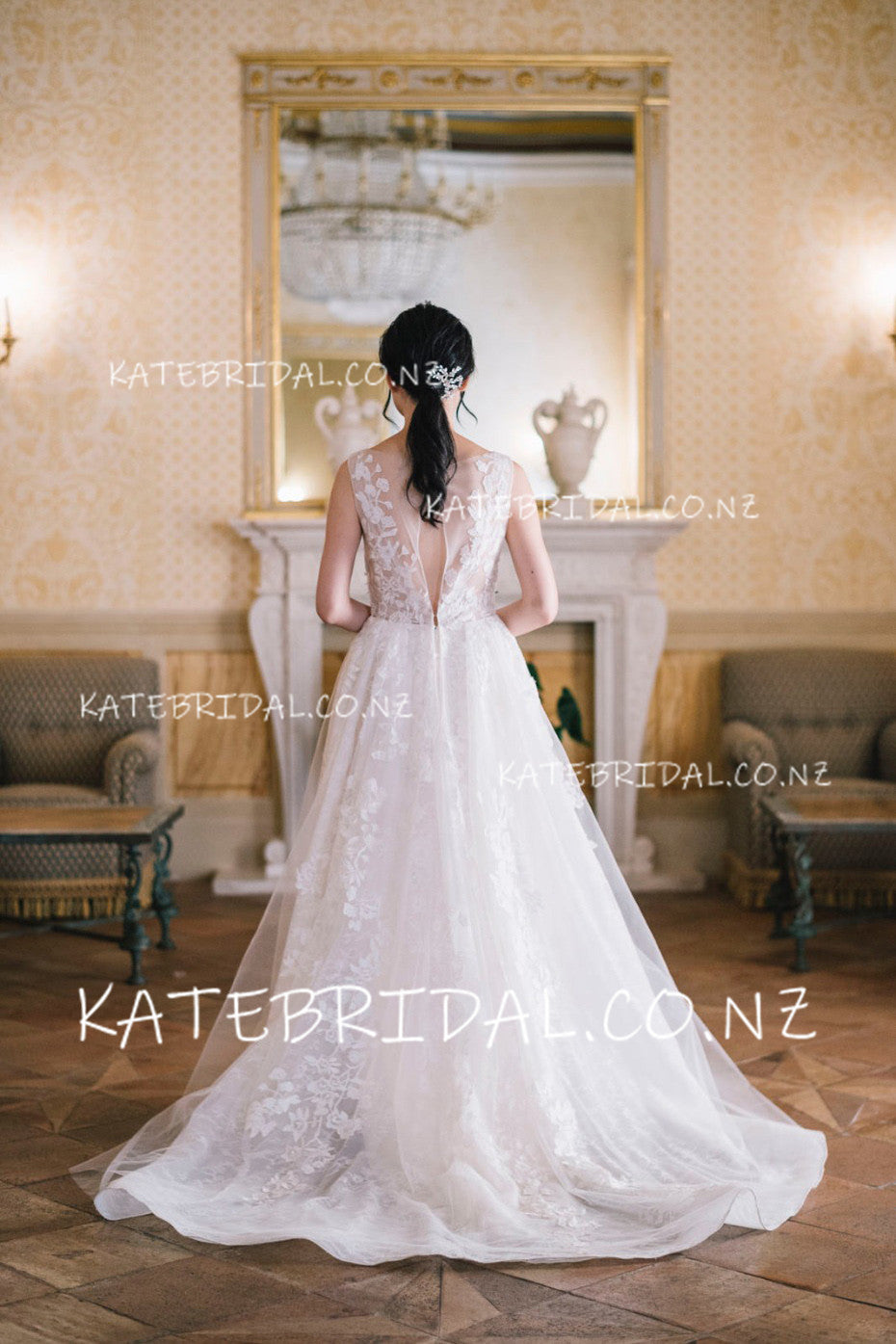 Lace Applique A-Line V-Neck Tulle Sweep Train Wedding Dress