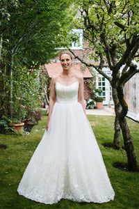 A-Line Strapless Floor-Length Tulle Bridal Dress With Lace