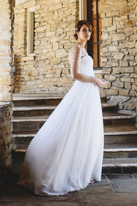 A-Line Strapless Sweep Train Tulle Wedding Dress With Chains