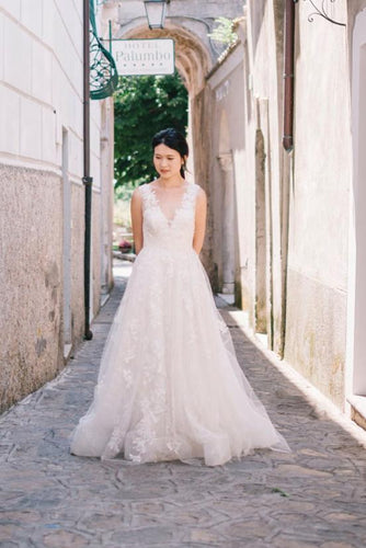 A-Line V-Neck Tulle Sweep Train Wedding Dress With Lace Applique