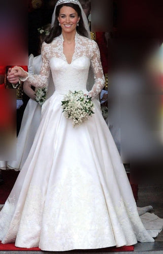 Gorgeous Applique Illusion Scalloped Edge Neck Long Sleeves Long Wedding Dress