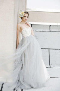 Backless Sweetheart Strapless Tulle Ball Gown Wedding Dress With Lace Bodice