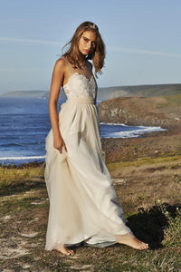 Applique Sheer Straps Sleeveless Floor-Length Sheath Tulle Beach Wedding Dress