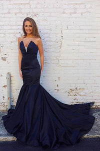 Rhinestone Strapless Sleeveless Long Solid Mermaid Evening Dress with Court Train