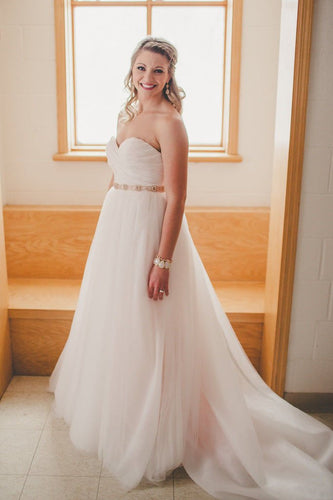 Elegant Sweetheart Sleeveless Long Solid Ruched Tulle Wedding Dress with Court Train