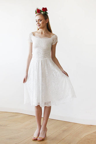 Scoop Neck Short Sleeve A-Line Knee-Length Floral Lace Bridal Dress