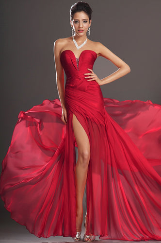 Red Strapless Sleeveless Fit-And-Flare Floor-Length Solid Ruched Chiffon Evening Dress