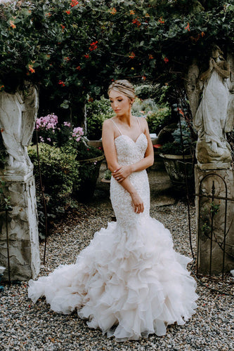Trumpet Spaghetti Strap Lace Bridal Dress With Ruffled Skirt