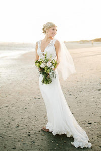 Tulle Plunging V-Neck Sheath Beach Wedding Dress With Lace