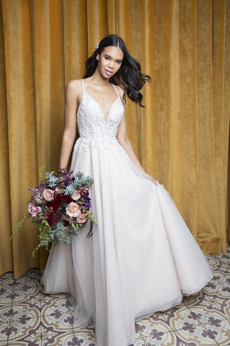 Tulle Spaghetti Strap Floor-Length Bridal Dress With Lace Bodice