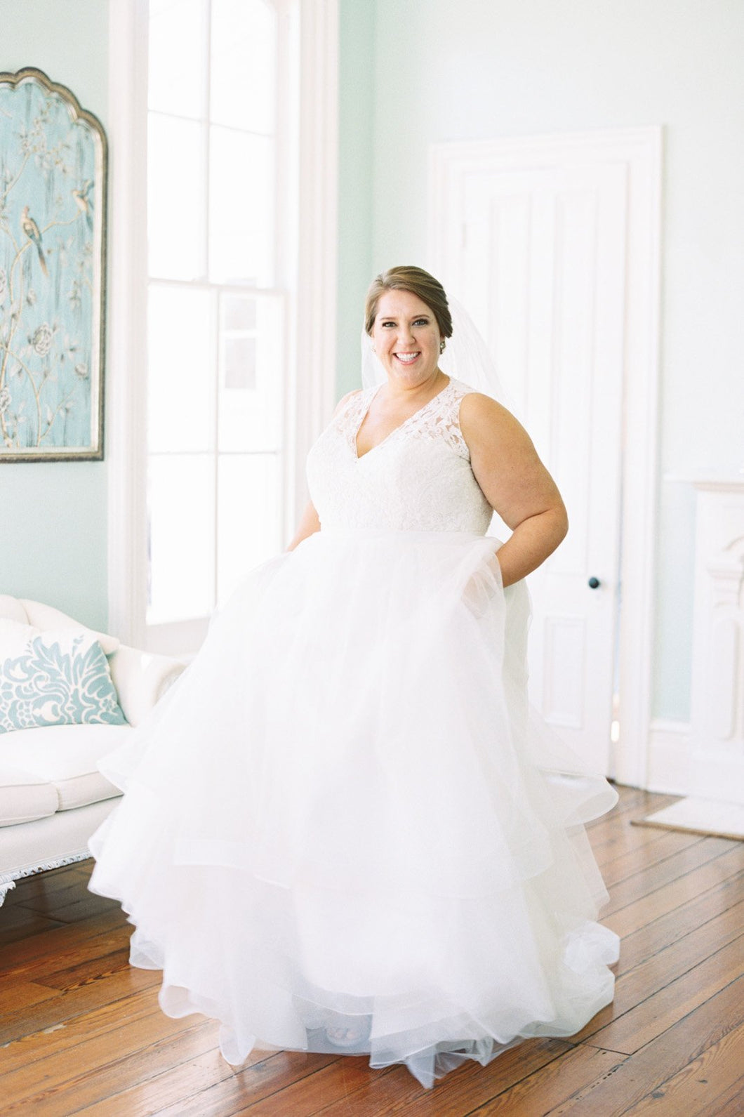 Tulle V-Neck Floor-Length Plus Size Wedding Dress With Lace Bodice