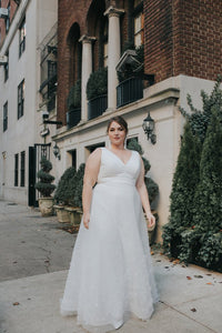 Elegant V-Neck Sleeveless Plus Size Floor-Length Solid Organza Wedding Dress