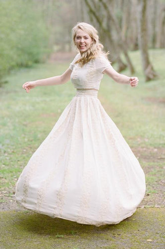 Vintage Round Neck Short Sleeve Floor-Length Two-Piece Wedding Dress With Lace Applique