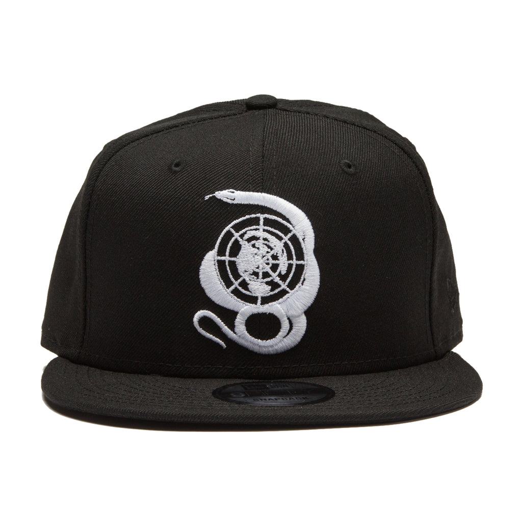BELLY SNAPBACK HAT: BLACK