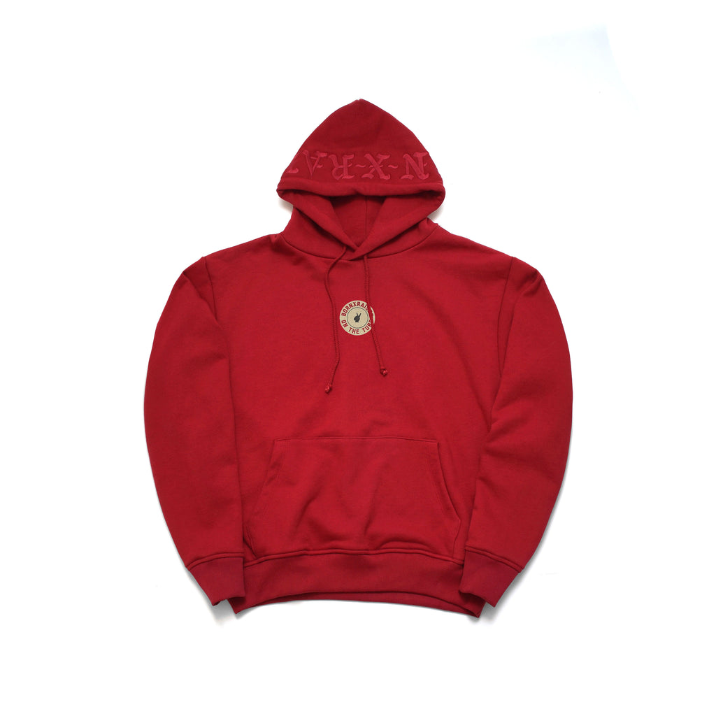 ON THE TURF PULLOVER: CRIMSON