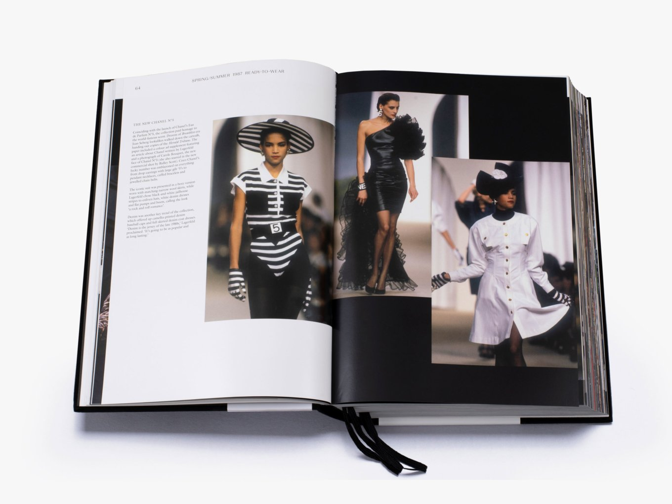 Alliance Distribution Services BOOK THECMPLETCOL Thames & Hudson | Chanel Catwalk: The Complete Collections