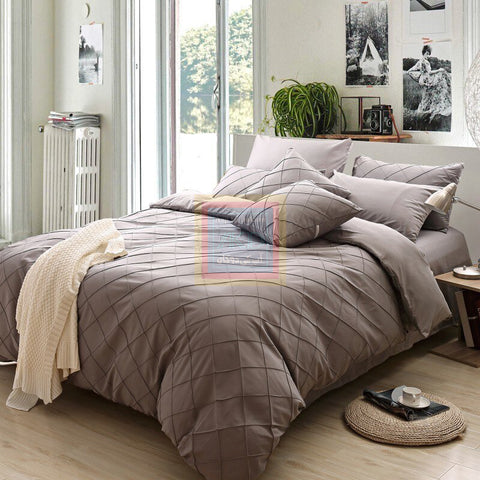 Pinch Pleat Duvet Set (Mocha color)