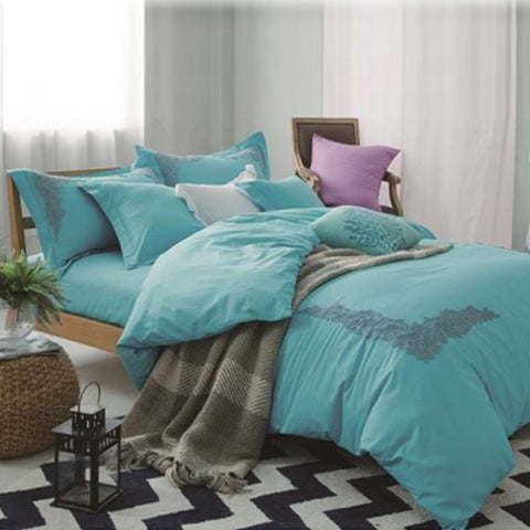 Embroidered lace duvet set (Blue)