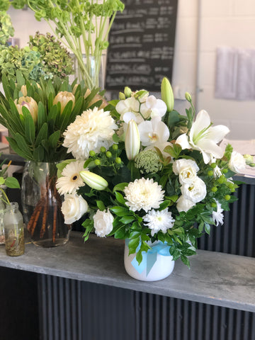send flowers to maroochydore - flower delivery – florist shop – gift hampers maroochydore