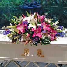 Load image into Gallery viewer, Sympathy Casket Sunshine Coast Delivery