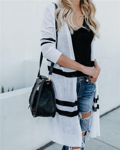 A Light-Colored Cardigan Sweater White Black m