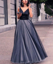 Fashion Sexy V Neck Sleeveless Grenadine Shown Thin Evening Maxi Dress