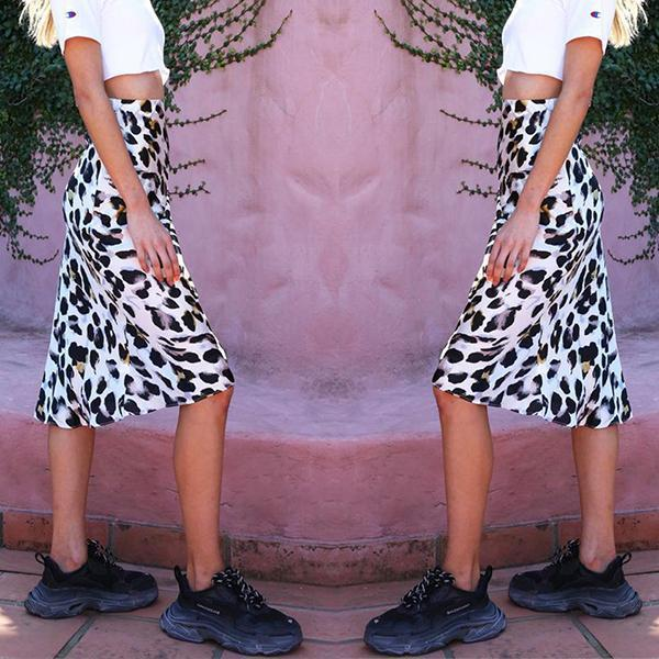 Holiday Wind Leopard Skirt white l