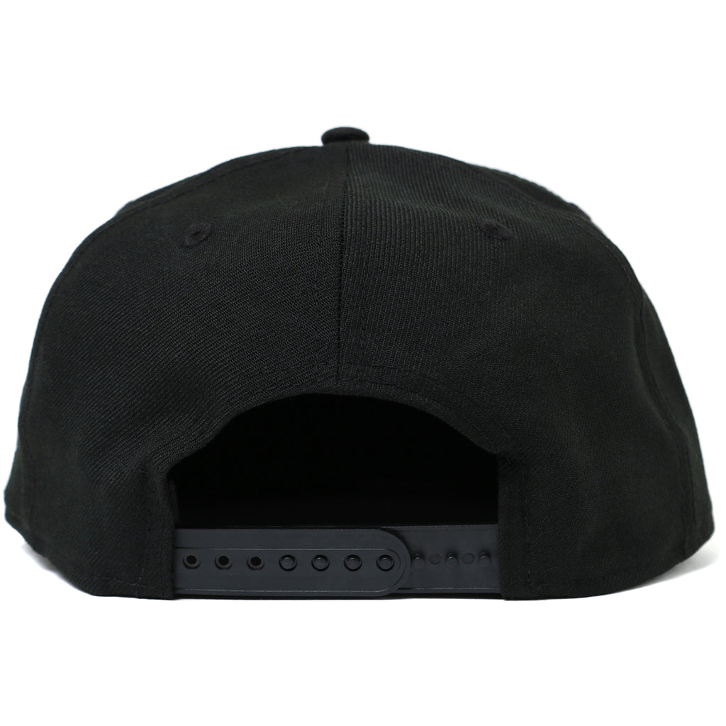 COLLEGE NEW ERA SNAP BACK CAP MENS