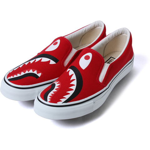 SHARK SLIP ON M