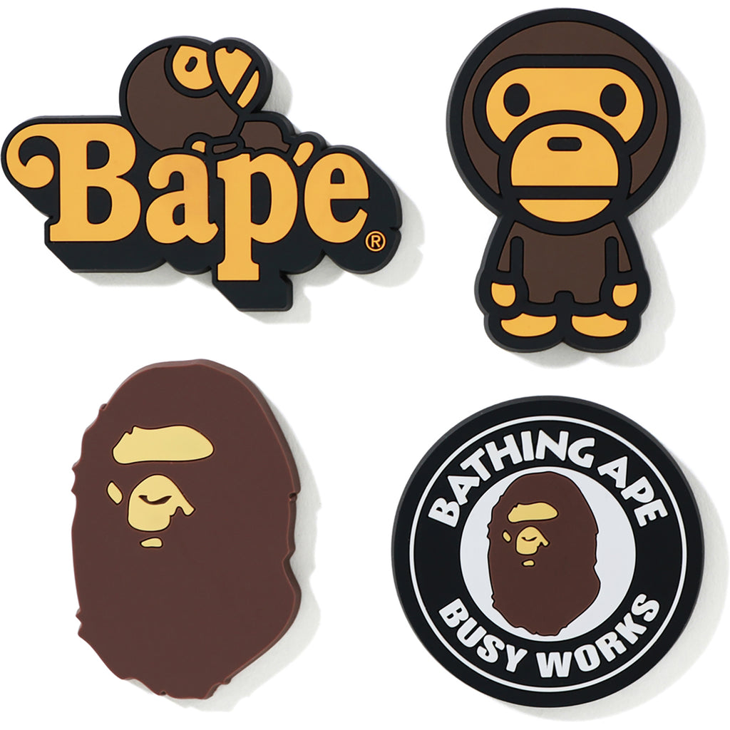 Emborracharse Párrafo Contribuyente  A BATHING APE MAGNET SET MENS | us.bape.com