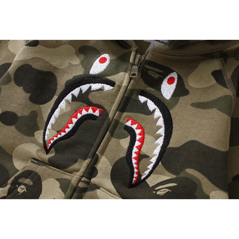 COLOR CAMO EMBROIDERY SHARK ZIP HOODIE