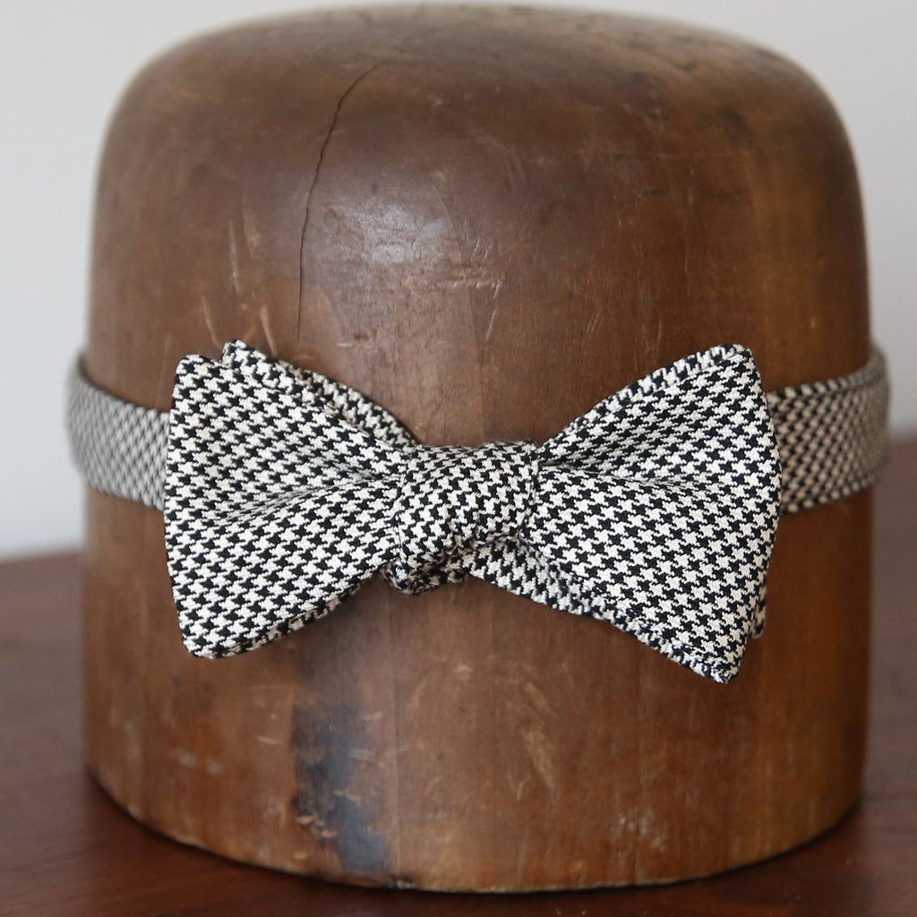 Bow Tie - Black + White Houndstooth