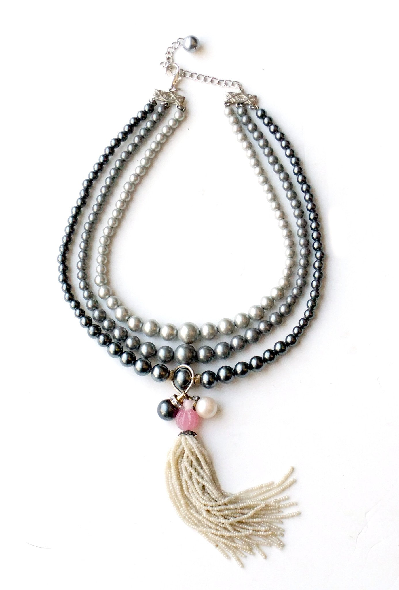 Knotted Pearl with 1910s Tassel