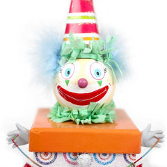 Gift Box, Buttons the Clown