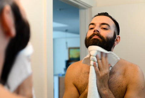 How to apply beard oil_step 1_wash your beard