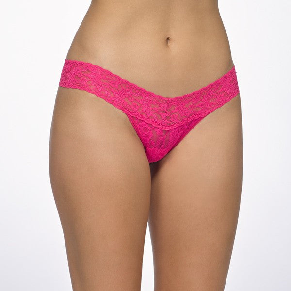 Hanky Panky Signature Lace Low Rise Thong Rolled