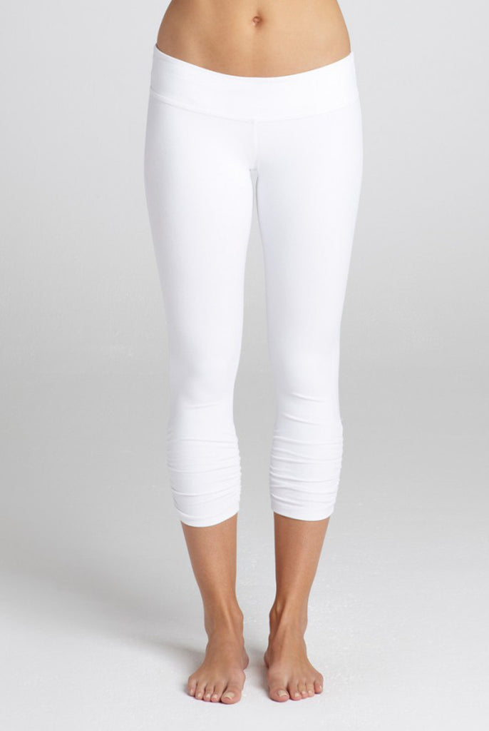 Bobi 3/4 Ruched Legging | White
