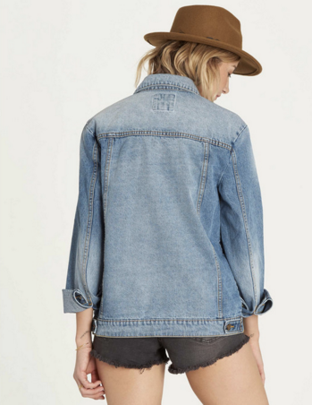 Billabong Women's Always Truckin Classic Vintage Washed Denim Jean Jacket | Water Wash