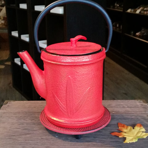 Cast Iron Teapot - 3 Leaves - The Tea & Spice Shoppe