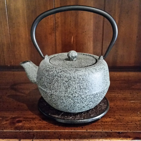 Cast Iron Teapot - Tokoyo - The Tea & Spice Shoppe