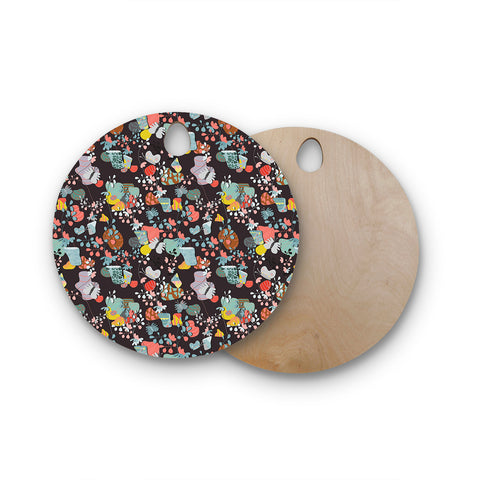 "Akwaflorell ""At Home"" Black Multicolor Round Wooden Cutting Board"