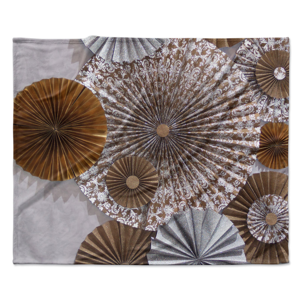 "Heidi Jennings ""Venice"" Brown White Fleece Throw Blanket"