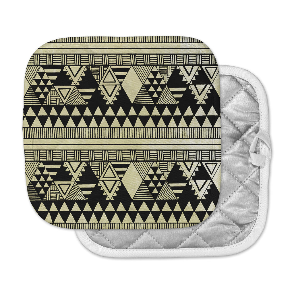 "Louise Machado ""Ethnic Chic"" Tan Black Pot Holder"