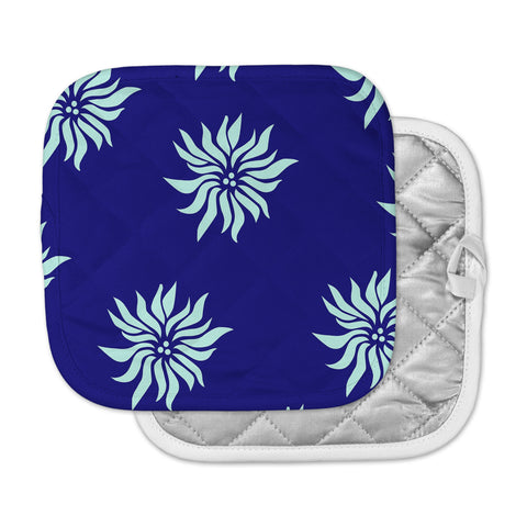 "NL Designs ""Snow Flowers"" Blue Aqua Pot Holder"