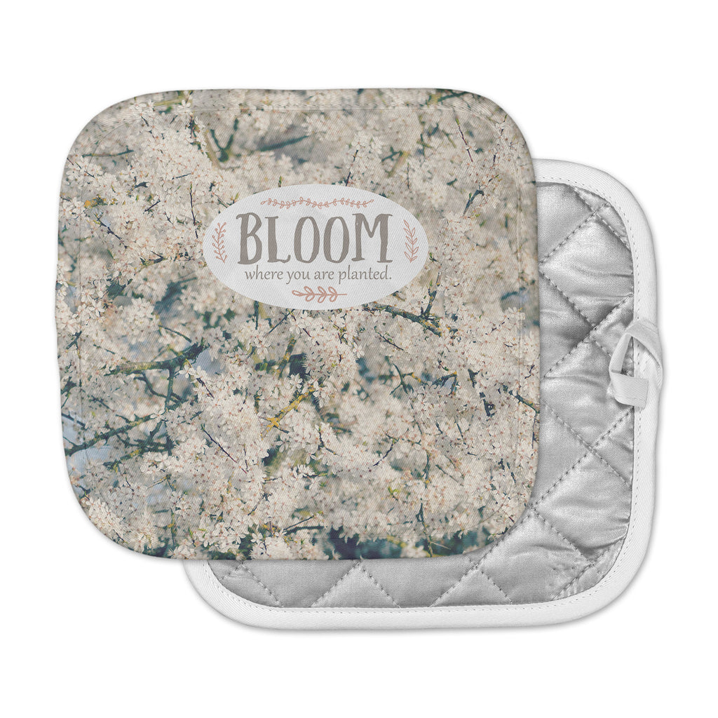 "Robin Dickinson ""Bloom Where You Are Planted"" White Floral Pot Holder"
