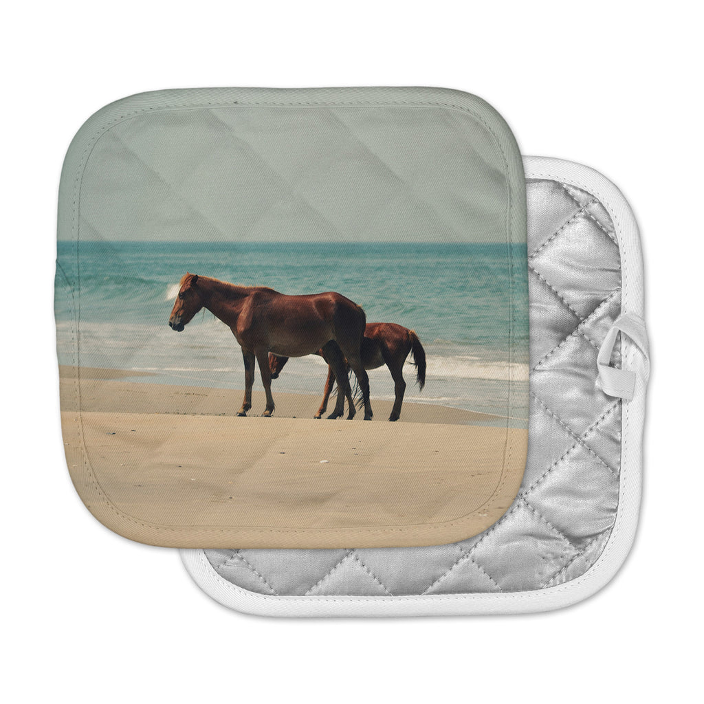 "Robin Dickinson ""Sandy Toes"" Beach Horses Pot Holder"