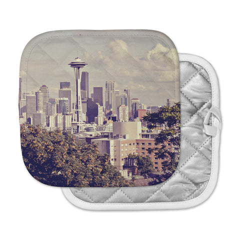 "Sylvia Cook ""Space Needle"" Beige Skyline Pot Holder"