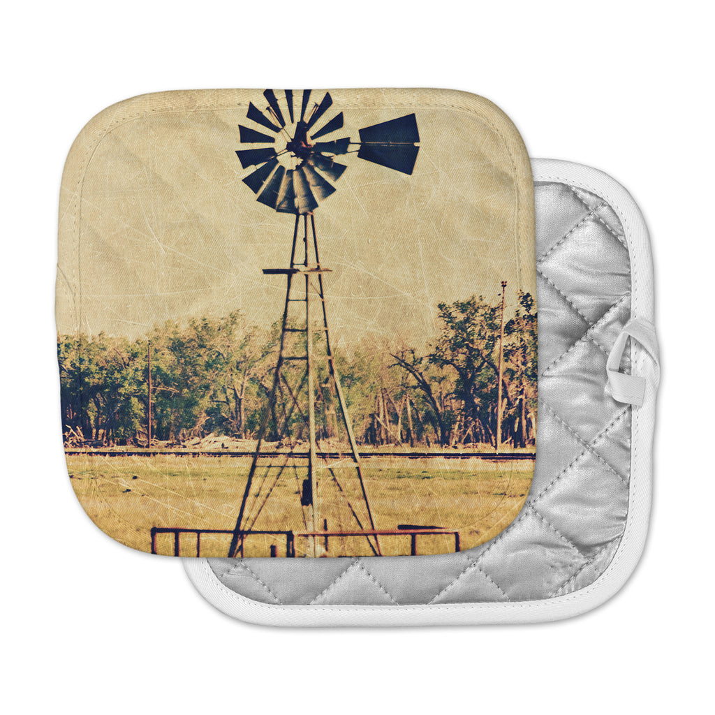 "Sylvia Coomes ""We Are In Kansas "" Tan Travel Pot Holder"