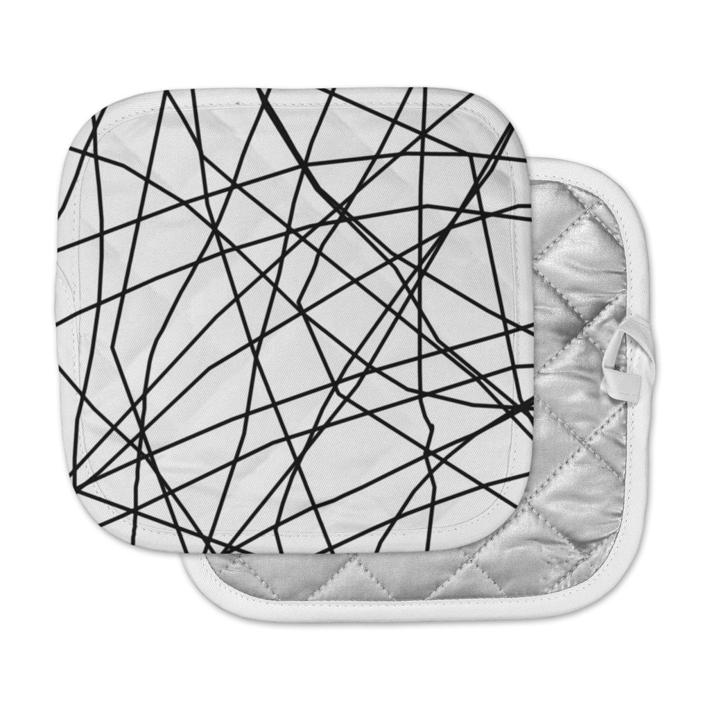 "Trebam ""Paucina v3"" Black White Pot Holder"