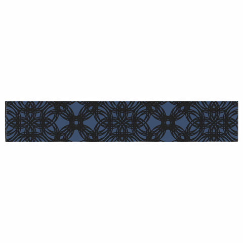 "Trebam ""Povezati"" Black White Modern Contemporary Digital Vector Table Runner"